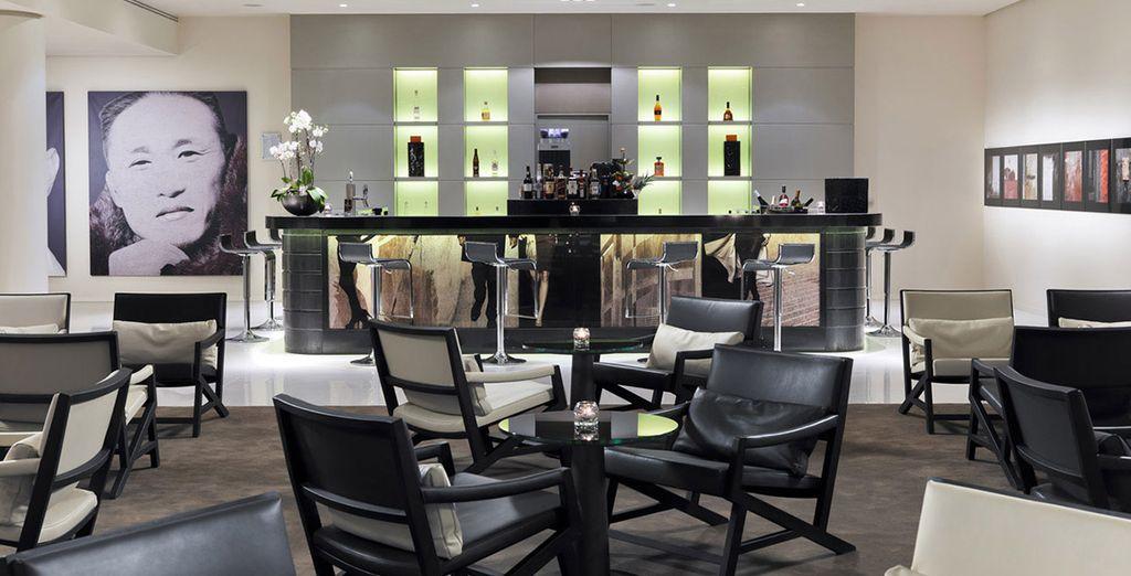 Steps Bar le ofrece una exquisita selección de aperitivos y cócteles