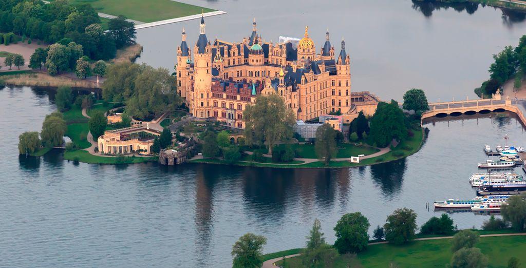 Schwerin, conocida como la ciudad de los 7 lagos y su destacado Castillo