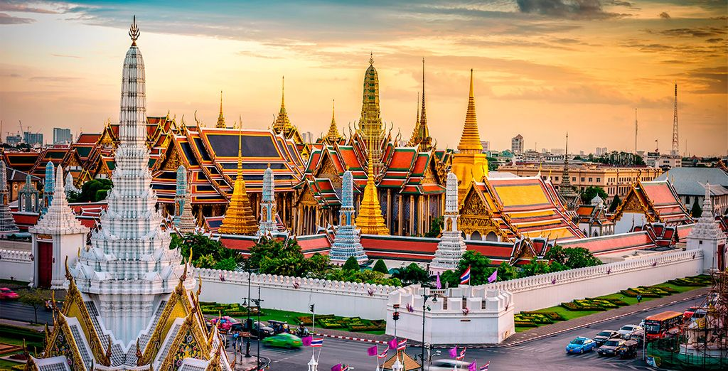 Tu primera parada será en la sorprendente ciudad de Bangkok