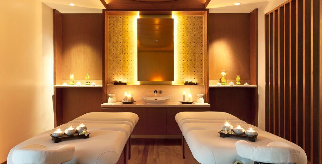 Disfruta de un buen masaje en la sala de tratamientos