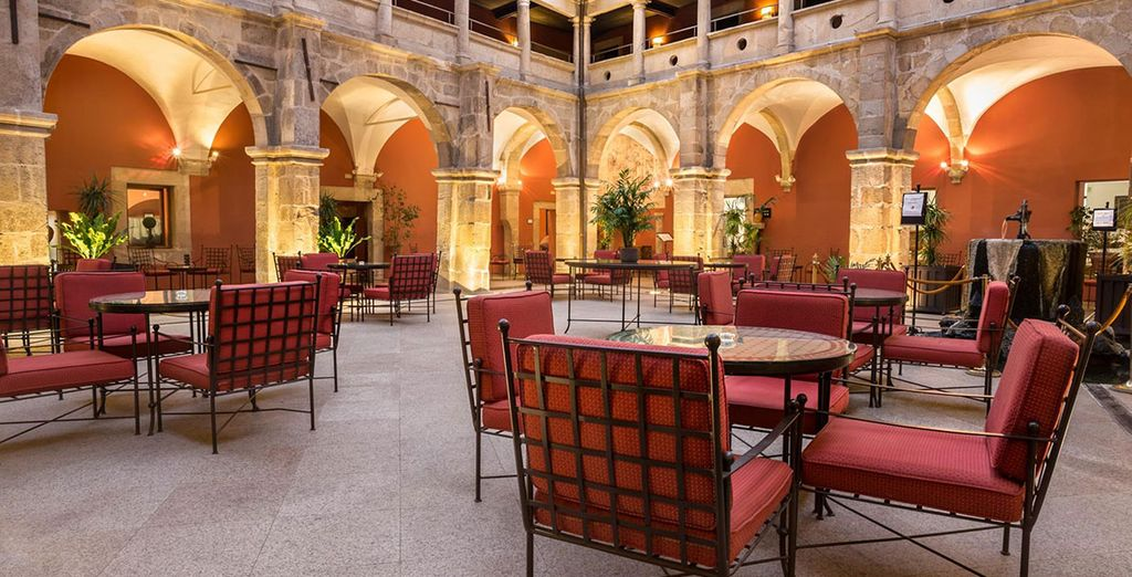 Bienvenido a Izán Trujillo 4* - Hotel Izán Trujillo 4* Trujillo