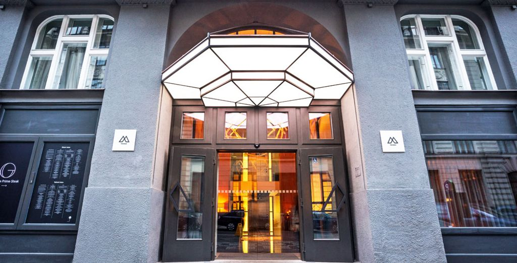 Installez-vous à l'Emblem Hotel !