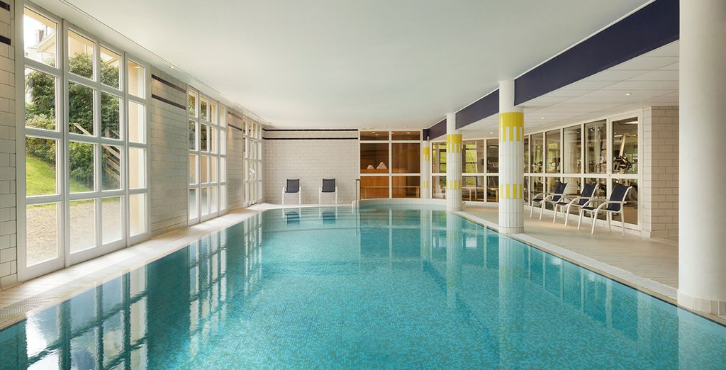H tel dolce chantilly 4 voyage priv jusqu 39 70 for Hotel piscine chantilly