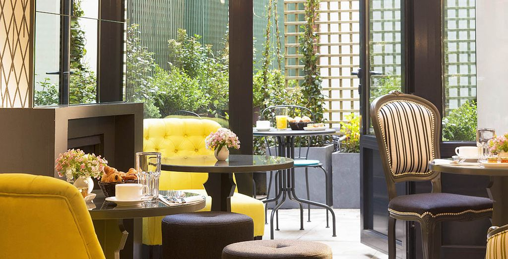 Stay at Les Plumes Hotel - Les Plumes Hotel 4* Paris