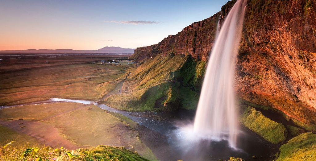 This beautiful island never fails to enchant you - Journey Around Iceland Reykjavik