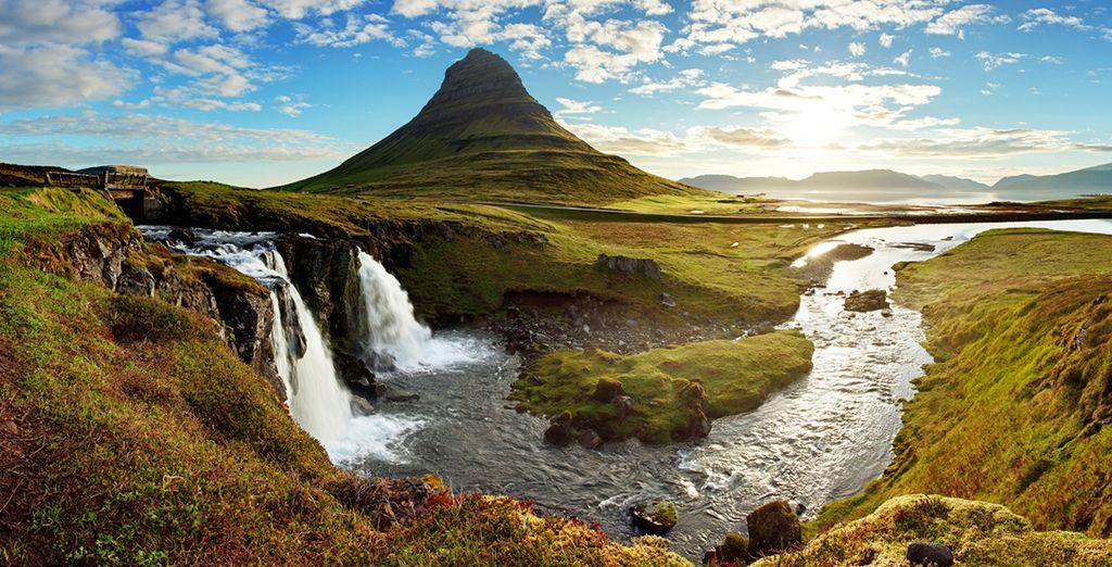 Explore Iceland's amazing landscapes