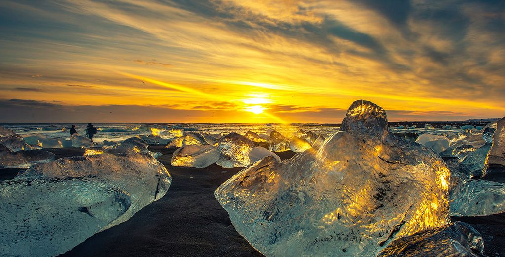 Discover the glorious natural wonders of Iceland