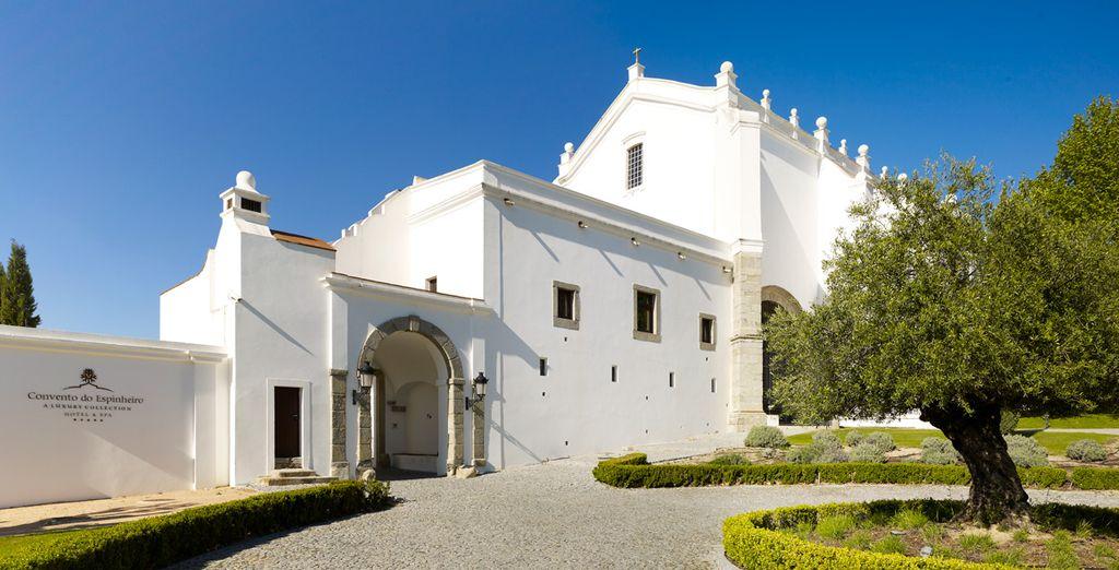 Willkommen im Convento do Espinheiro, einem Luxury Collection Hotel & Spa 5*