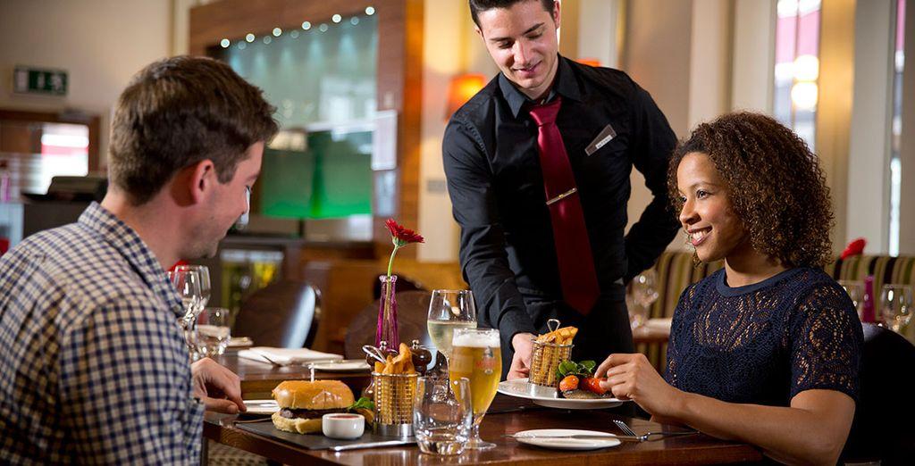 Probieren Sie die Köstlichkeiten des Restaurants