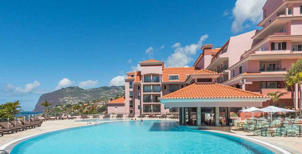 Das Hotel Pestana Royal Premium All Inclusive Ocean & Spa Resort begrüßt Sie herzlich