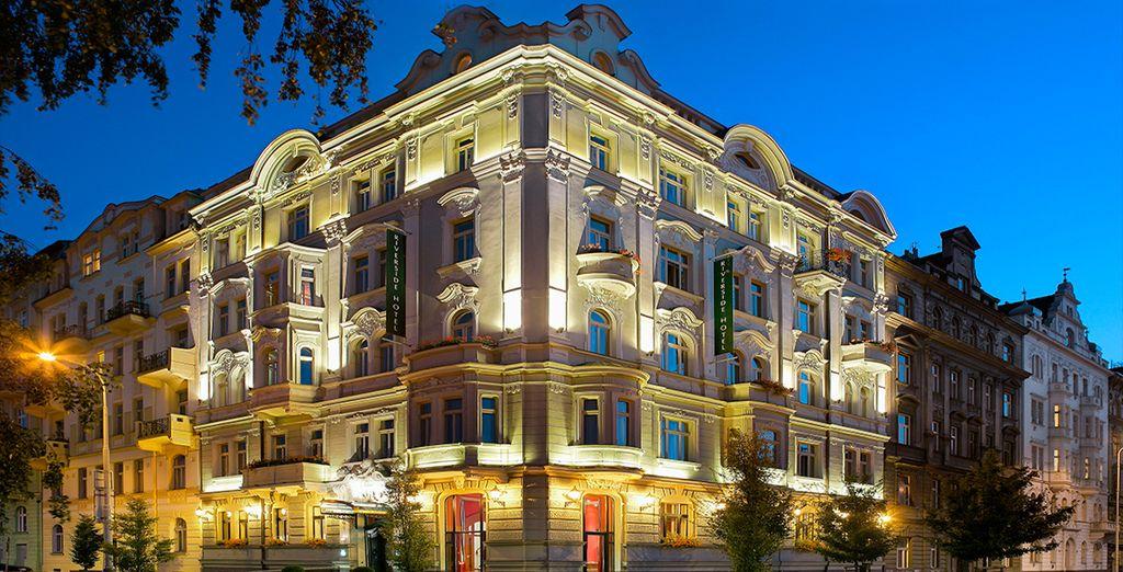 Die beeindruckende Jugendstil-Fassade des Hotels