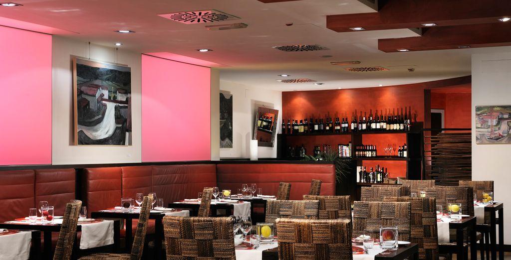 Das Restaurant Riflessi serviert toskanische Spezialitäten und Weine