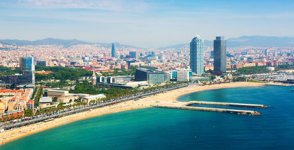 Und entspannen Sie am Strand von Barceloneta!