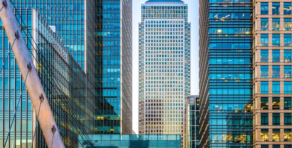 Bewundern Sie die gigantischen Glasfassaden