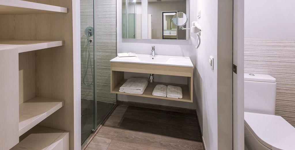 Mit einem modernen Bad