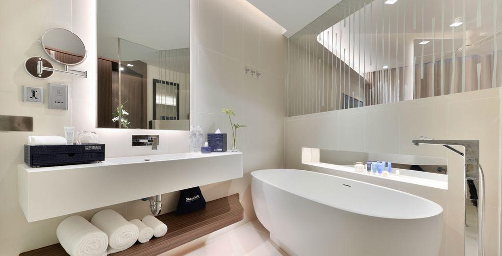 Mit voll ausgestattetem Badezimmer
