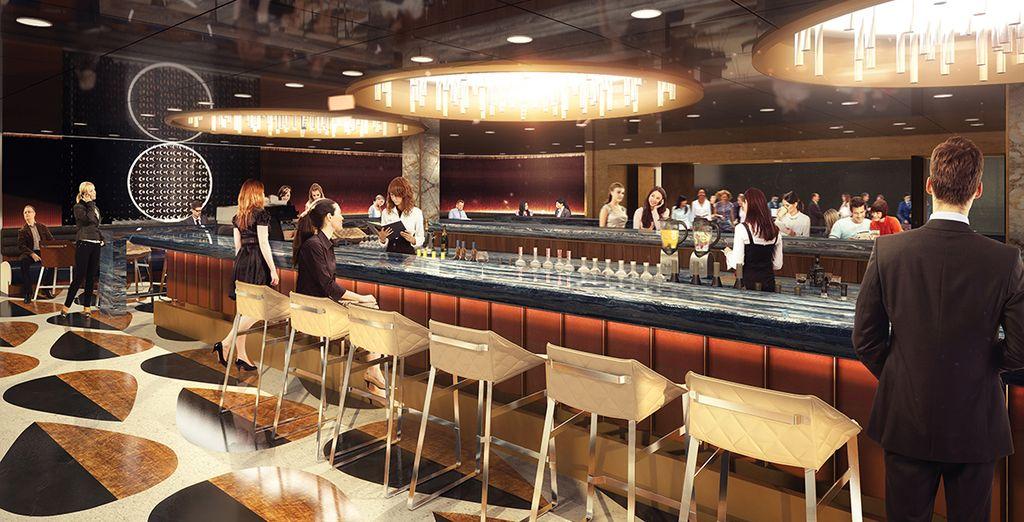 Gönnen Sie sich einen Drink an der Bar