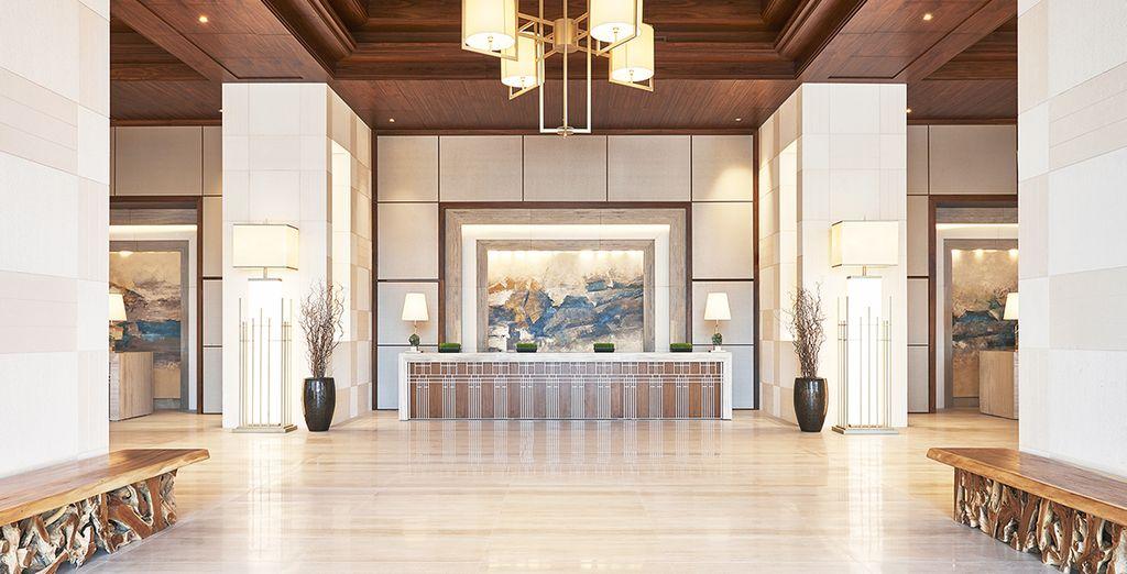 Das luxuriöse Hotel öffnet seine Pforten für Sie