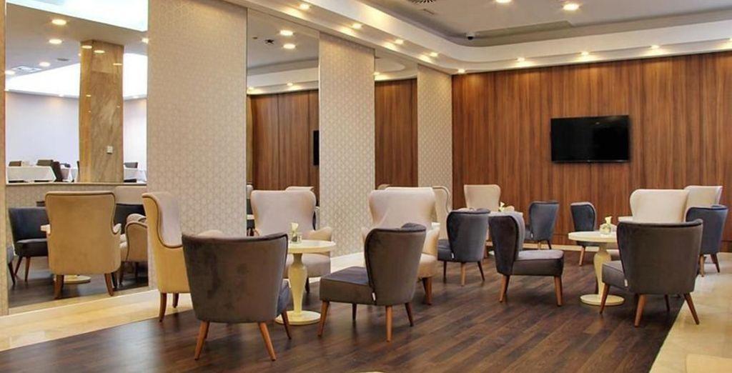 Im modernen Masa Hotel Almirante