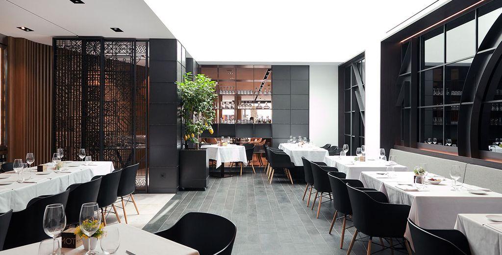 ... und bietet extravagantes Design und moderne Küche