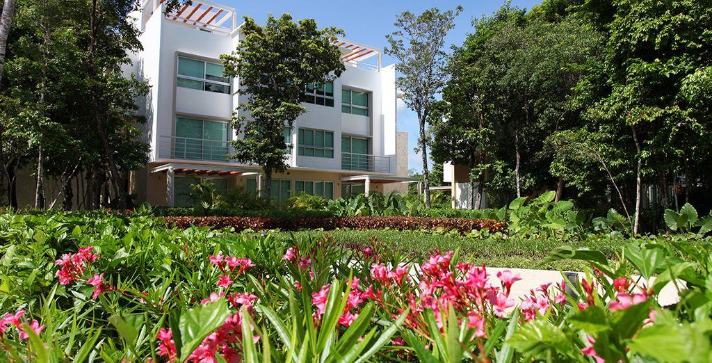 Spazieren Sie durch die Gärten Ihres Hotels