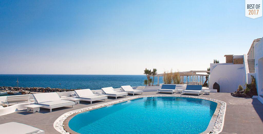 Geniessen Sie die atemberaubende Aussicht des Notos Therme & Spa Hotel
