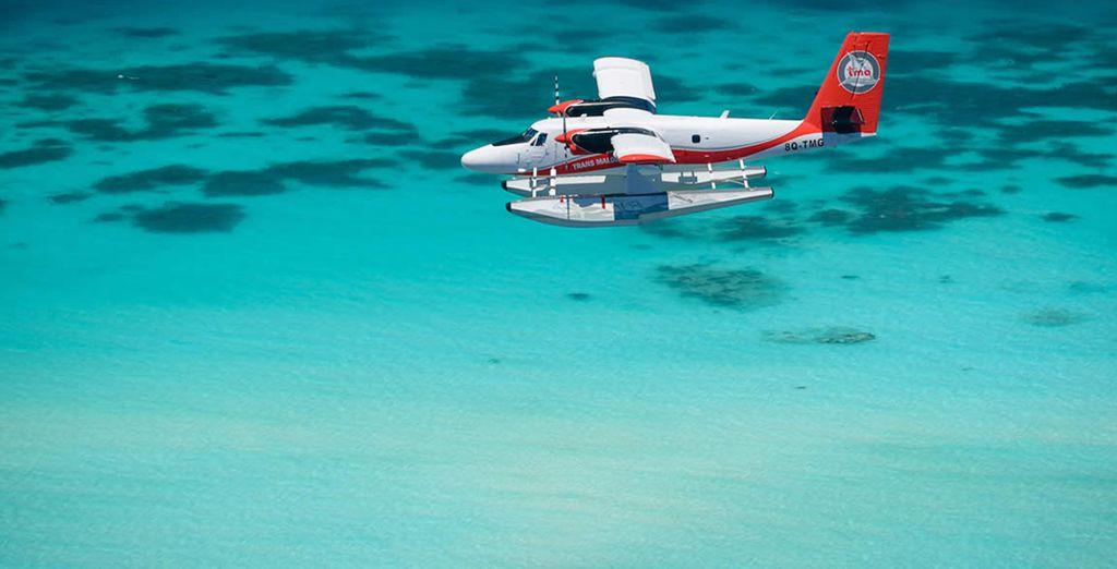 Nach einem magischen Anflug im Wasserflugzeug erreichen Sie das Coccon Maldives 5* Resort