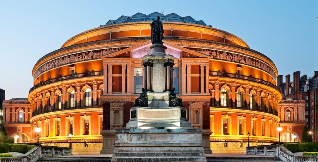 Reich an Kultur, einschließlich der berühmten Royal Albert Hall
