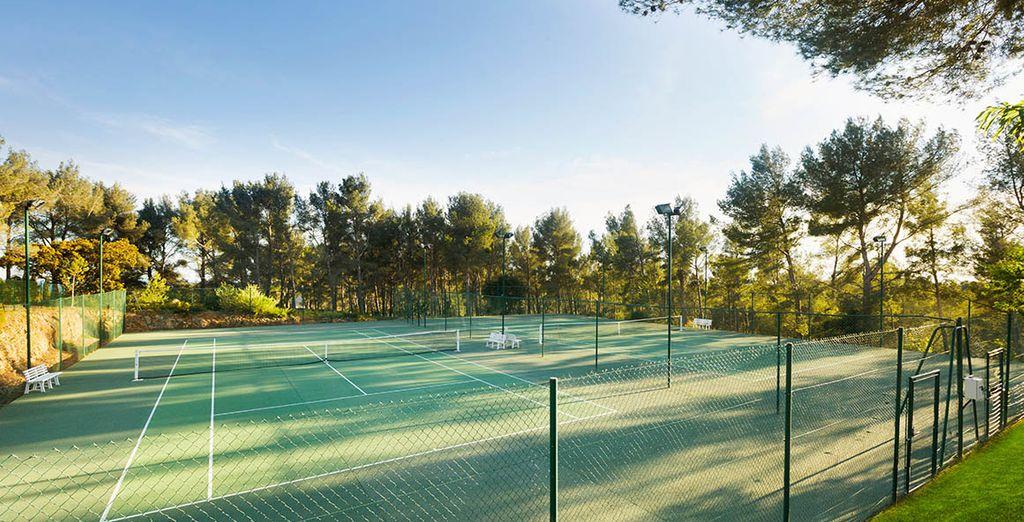 Oder nutzen Sie die Tennisplätze für die sportliche Betätigung während Ihres Aufenthalts