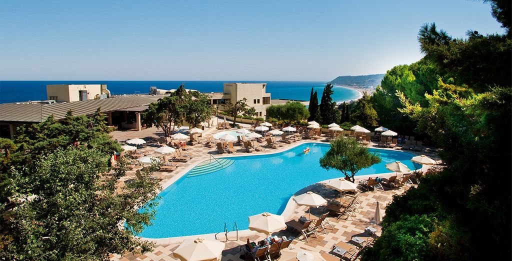 Amathus Beach Hotel 5* mit Voyage Privé