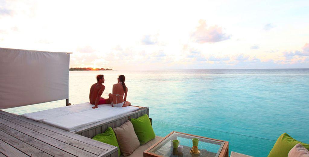 Oder in einer Laamu Water Villa mit einem einzigartigen Blick