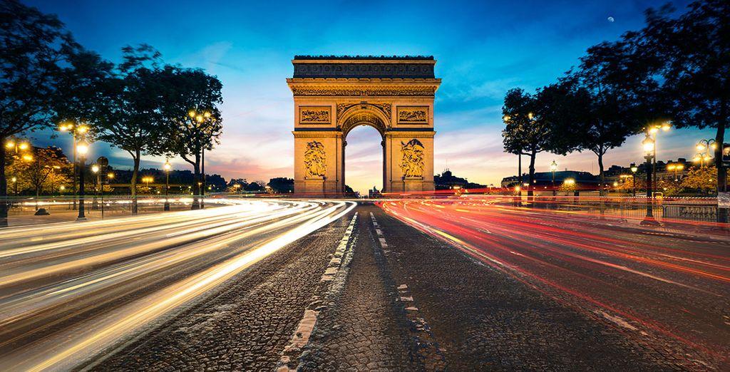 Bewundern Sie den spektakulären Arc de Triomphe