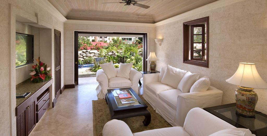 Regálate una estancia Suite Deluxe 2 habitaciones con jardín y piscina