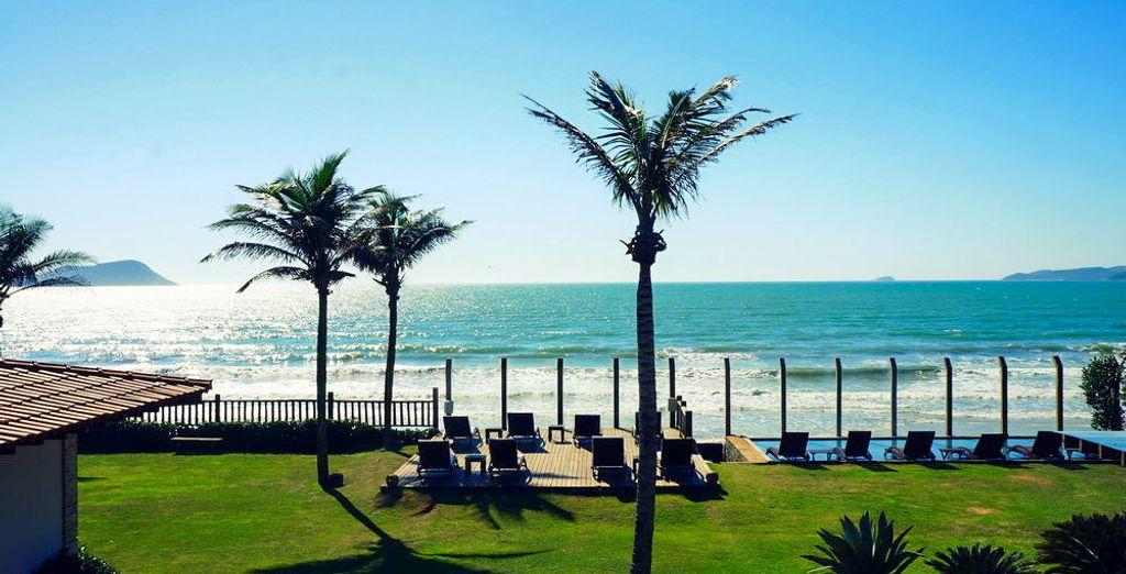 Y alójate en el hotel Villa Rasa Marina