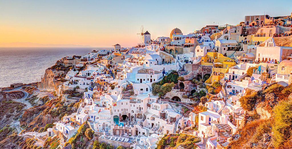 Visita la isla de Santorini, en el archipiélago de las Cícladas