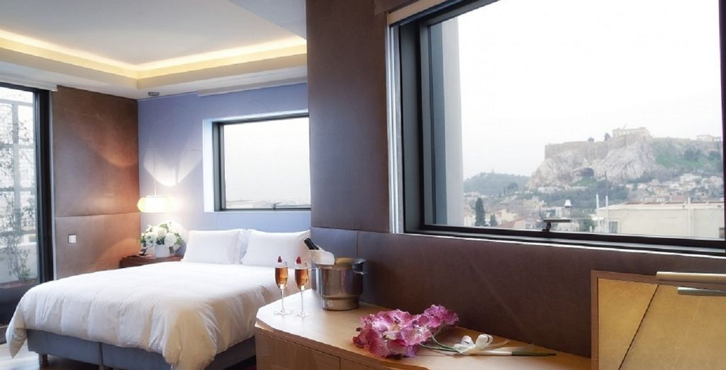 O concédete una escapada romántica en la Suite Penthouse