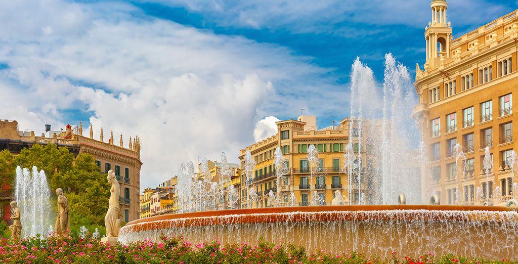 ¿O prefieres pasar la tarde en una de las bonitas plazas de la ciudad?
