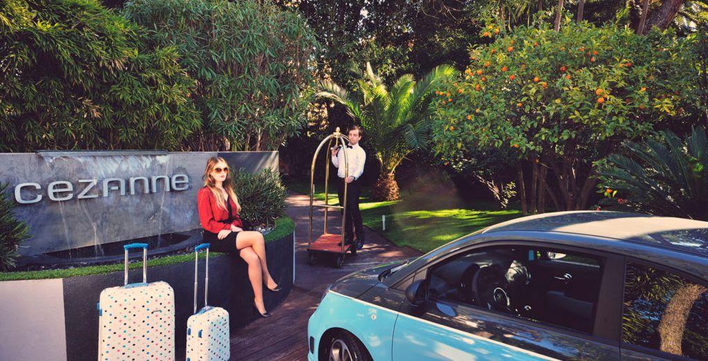 Hotel Cézanne 4* le da la bienvenida