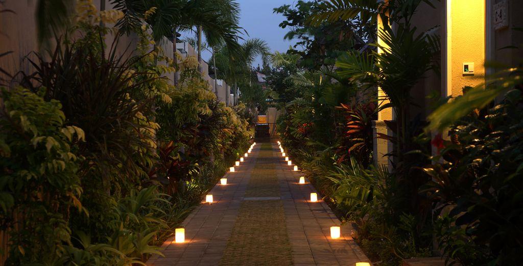Bienvenido al Hotel Transera Grand Kancana Resort Villas, a partir de este momento comienzan sus vacaciones en Bali