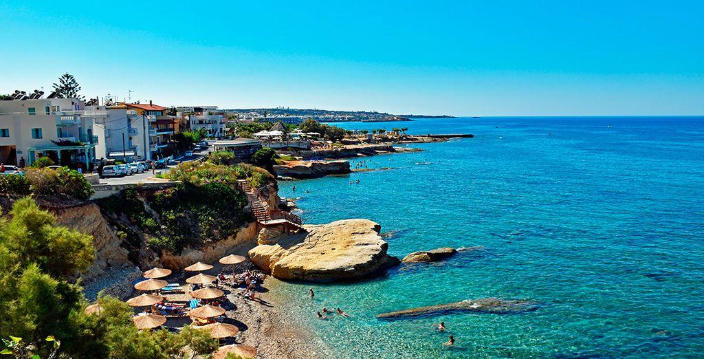 Una ciudad bañada por el mar Egeo
