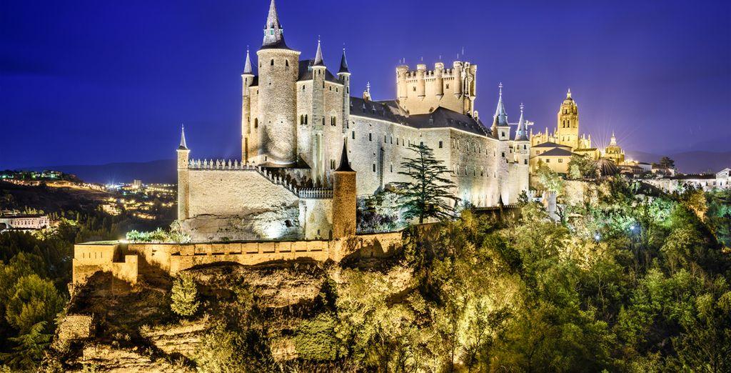 Segovia te enamorará también de noche