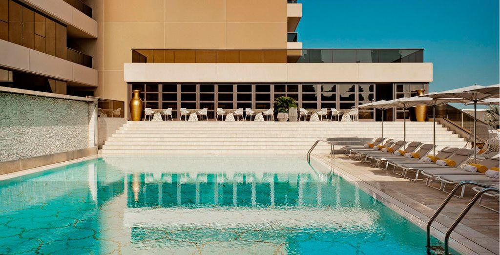 Este hotel de 5 estrellas está al lado del puerto deportivo de Dubái