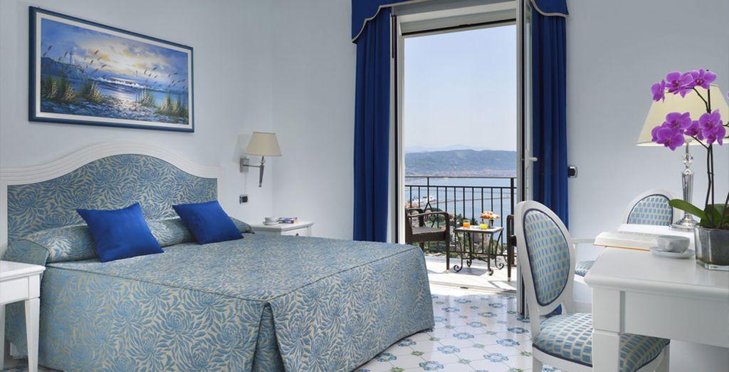 Disfruta de las vistas al mar desde tu habitación en Hotel Raito Wellness & SPA 5*