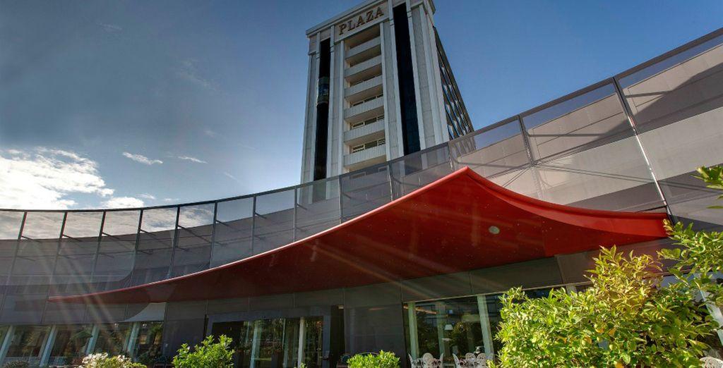 Bienvenido al hotel Panoramic Plaza