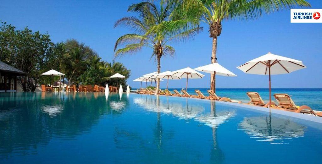Disfruta del paraíso en Centara Ras Fushi Resort & Spa Maldives 4*