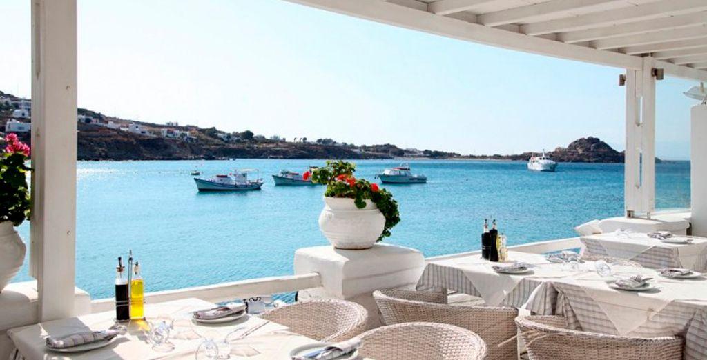 Impresionantes vistas a la playa de Platis Gialos