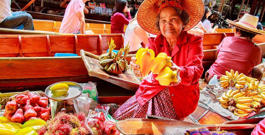 Acércate al encantador mercado de Damnoen Saduak