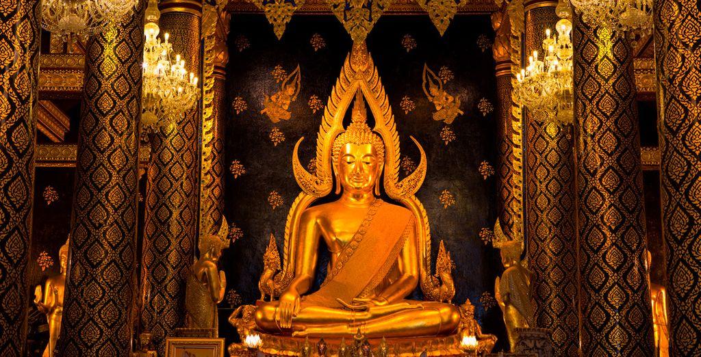 El 5º día visitarás el Wat Phra Sri Ratana Mahathat, el más sagrado en Phitsanuloke