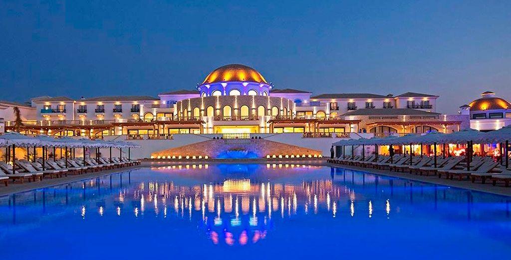 Disfruta de un servicio de primera clase en el Mitsis Laguna Resort & Spa 5*
