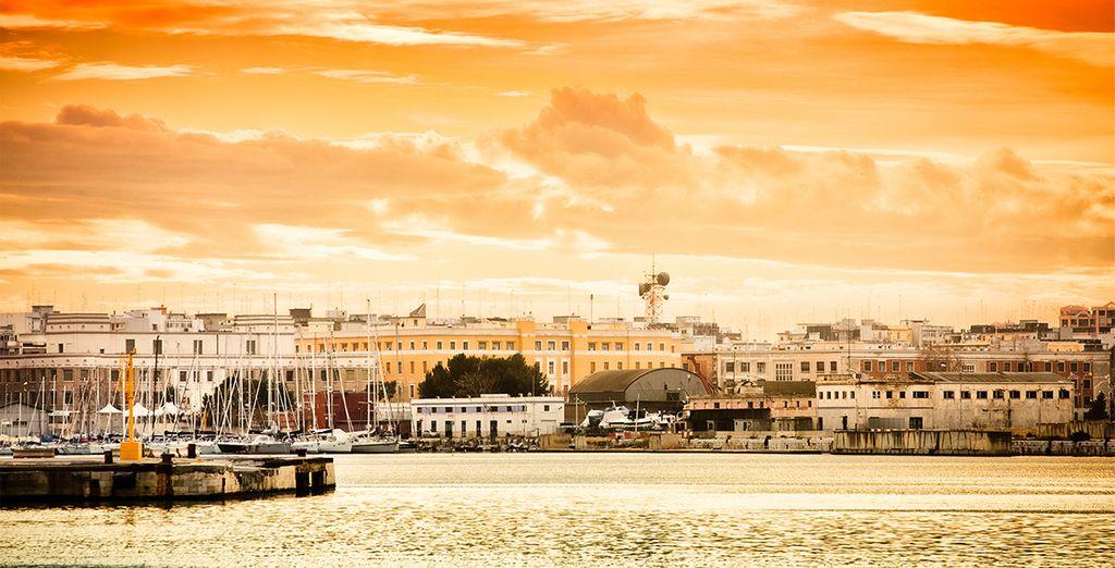 Disfrute la oportunidad de descubrir el rico patrimonio histórico y cultural de Puglia